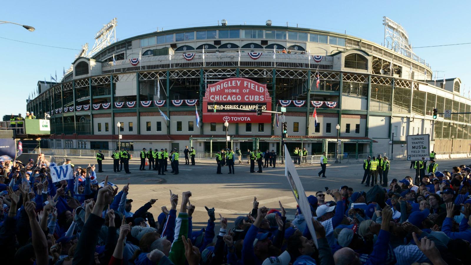 110416-MLB-Parade6-PI