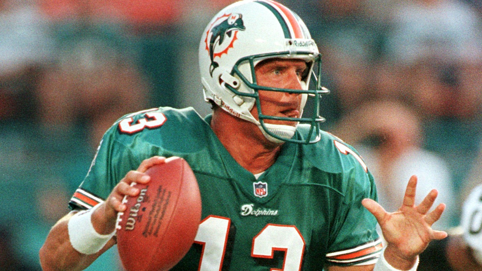 dolphins sign marino contract
