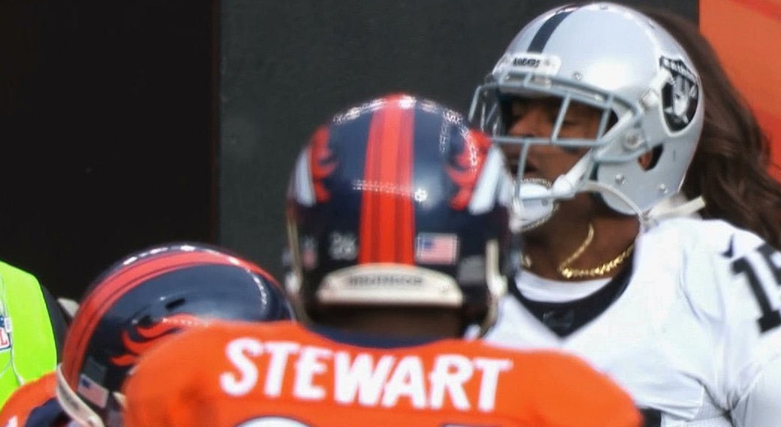 Broncos CB Aqib Talib Rips Off Raiders WR Michael Crabtree's Gold Chain