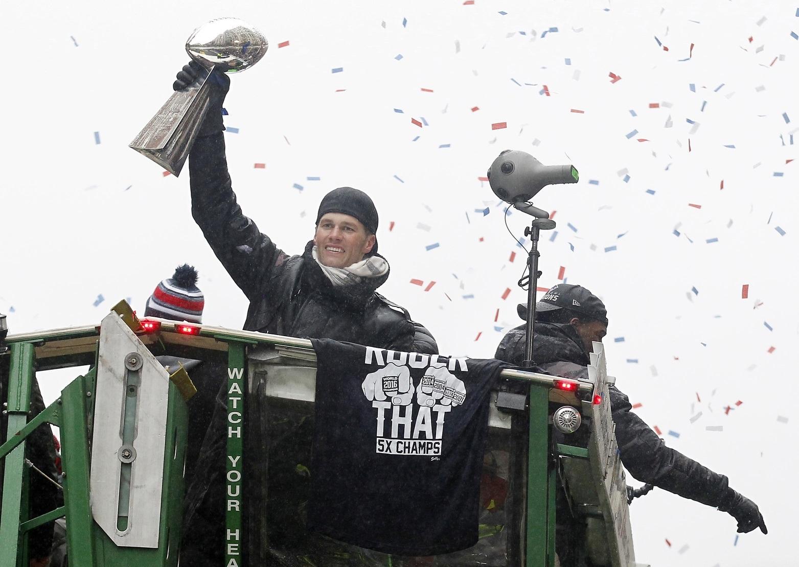 020717-NFL-Super-Bowl-New-England-Patriots-Parade-2