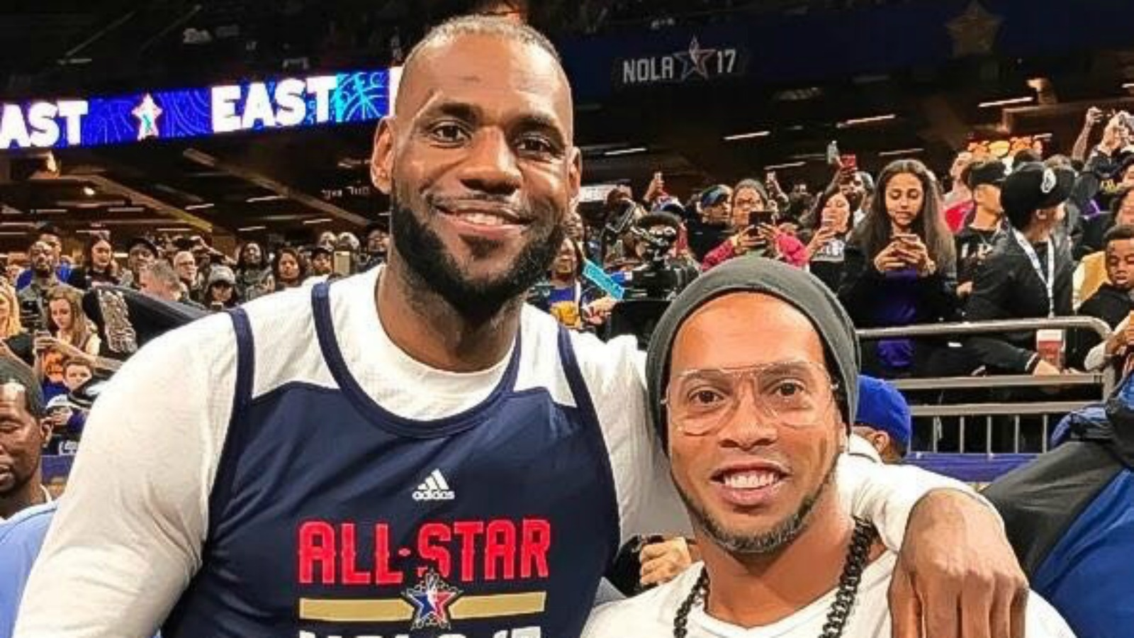 5a65b989720 Check out Barcelona legend Ronaldinho hanging out at NBA All-Star weekend