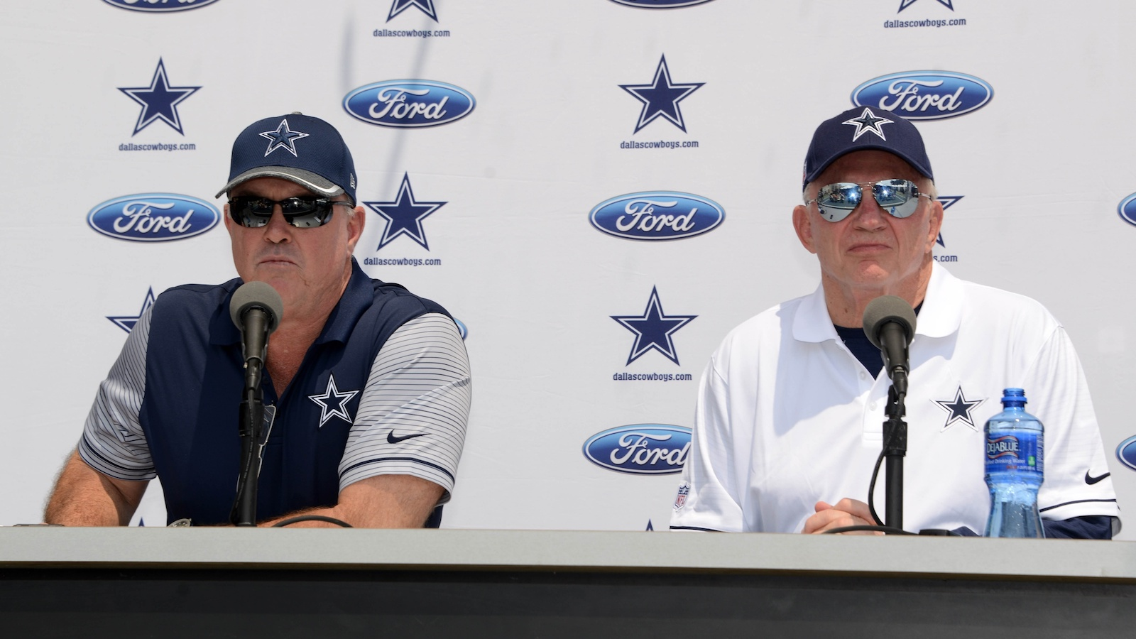 022117-NFL-Cowboys-Jerry-Jones-Stephen-Jones