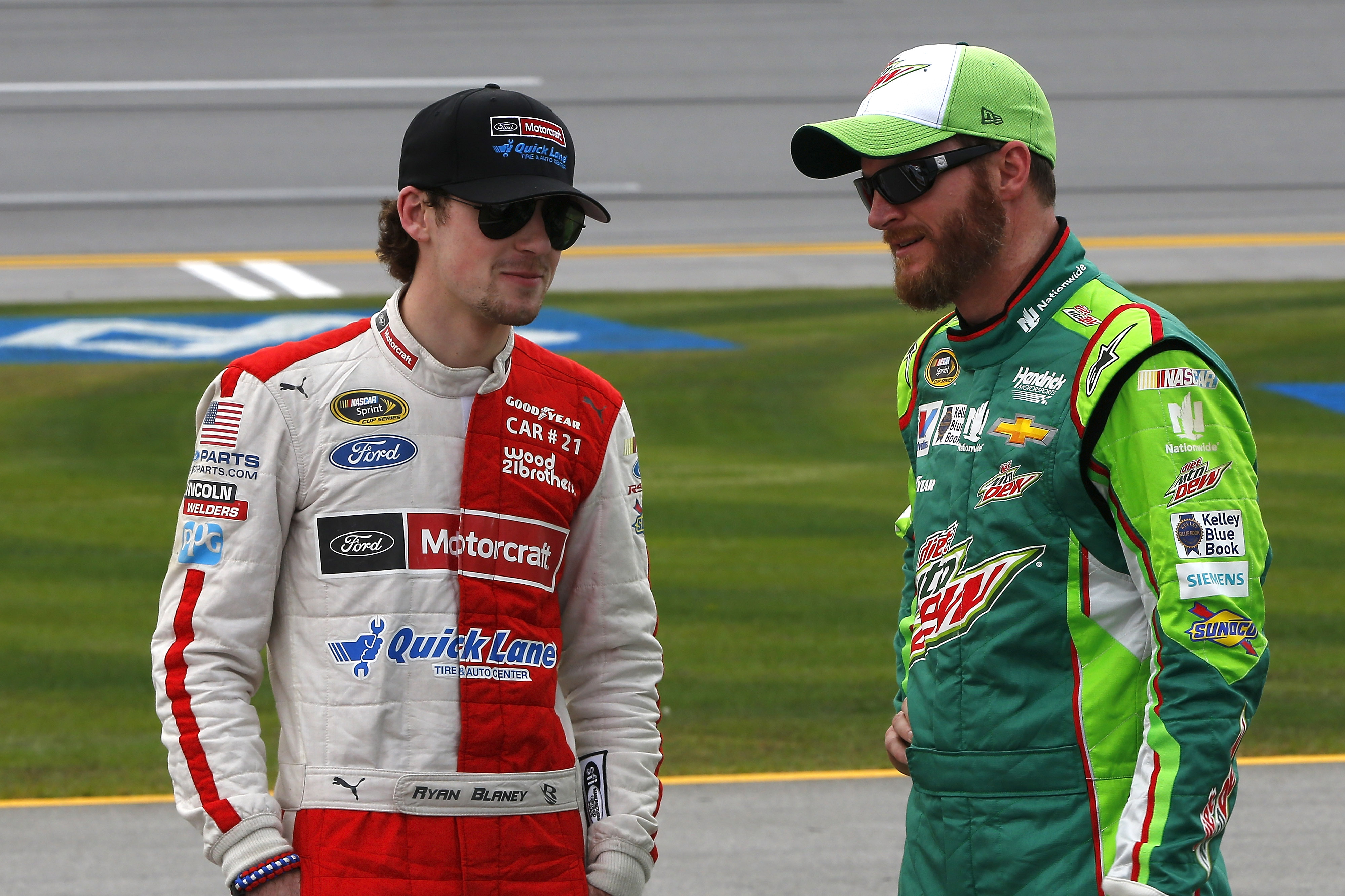 23-25 October, 2015, Talladega, Alabama USA Ryan Blaney and Dale Earnhardt Jr ©2015, Russell LaBounty LAT Photo USA