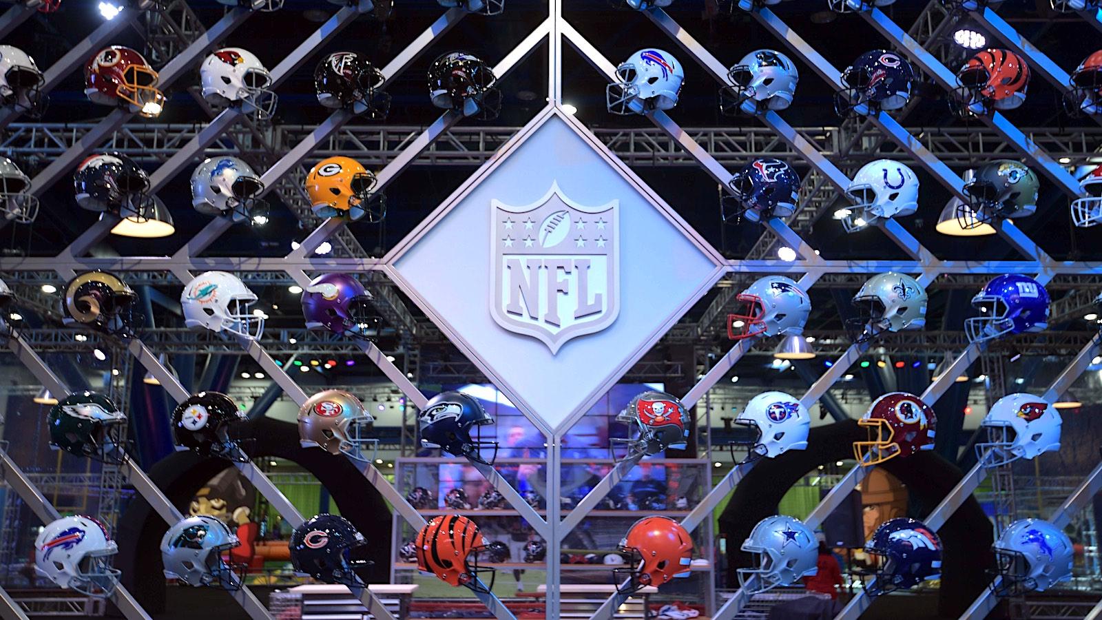 033117-NFL-Helmets-Logos