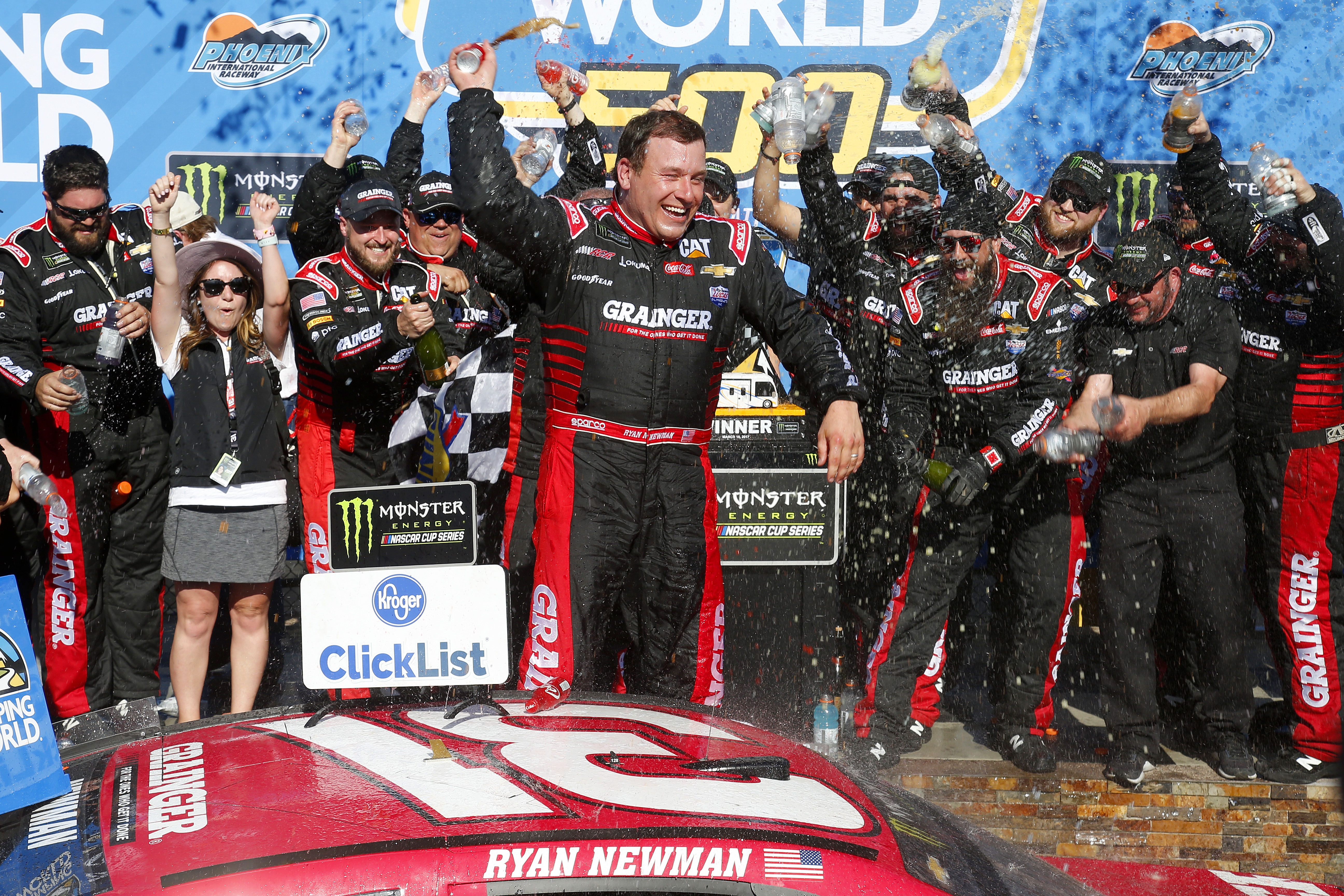 2017 Monster Energy NASCAR Cup Series Camping World 500 Phoenix International Raceway, Avondale, AZ USA Sunday 19 March 2017 Ryan Newman celebrates in victory lane World Copyright: Lesley Ann Miller/LAT Images ref: Digital Image lam_170319PHX19064