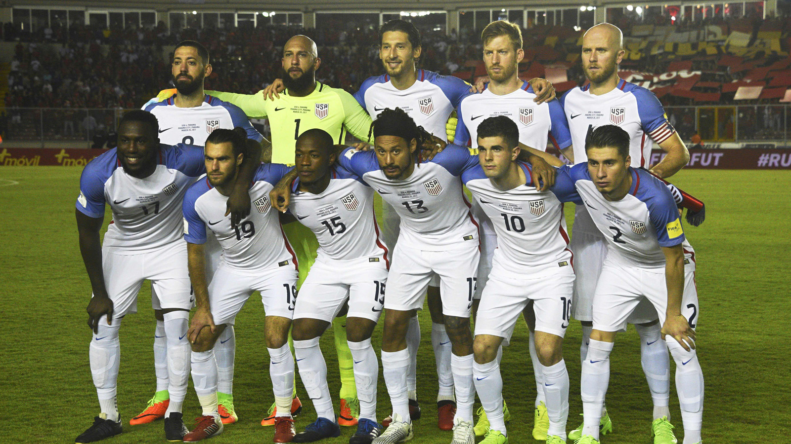 Players of United States pose for pictures before the start of their 2018 FIFA World Cup qualifier football match against Panama, in Panama City on March 28, 2017. / AFP PHOTO / RODRIGO ARANGUA        (Photo credit should read RODRIGO ARANGUA/AFP/Getty Images)