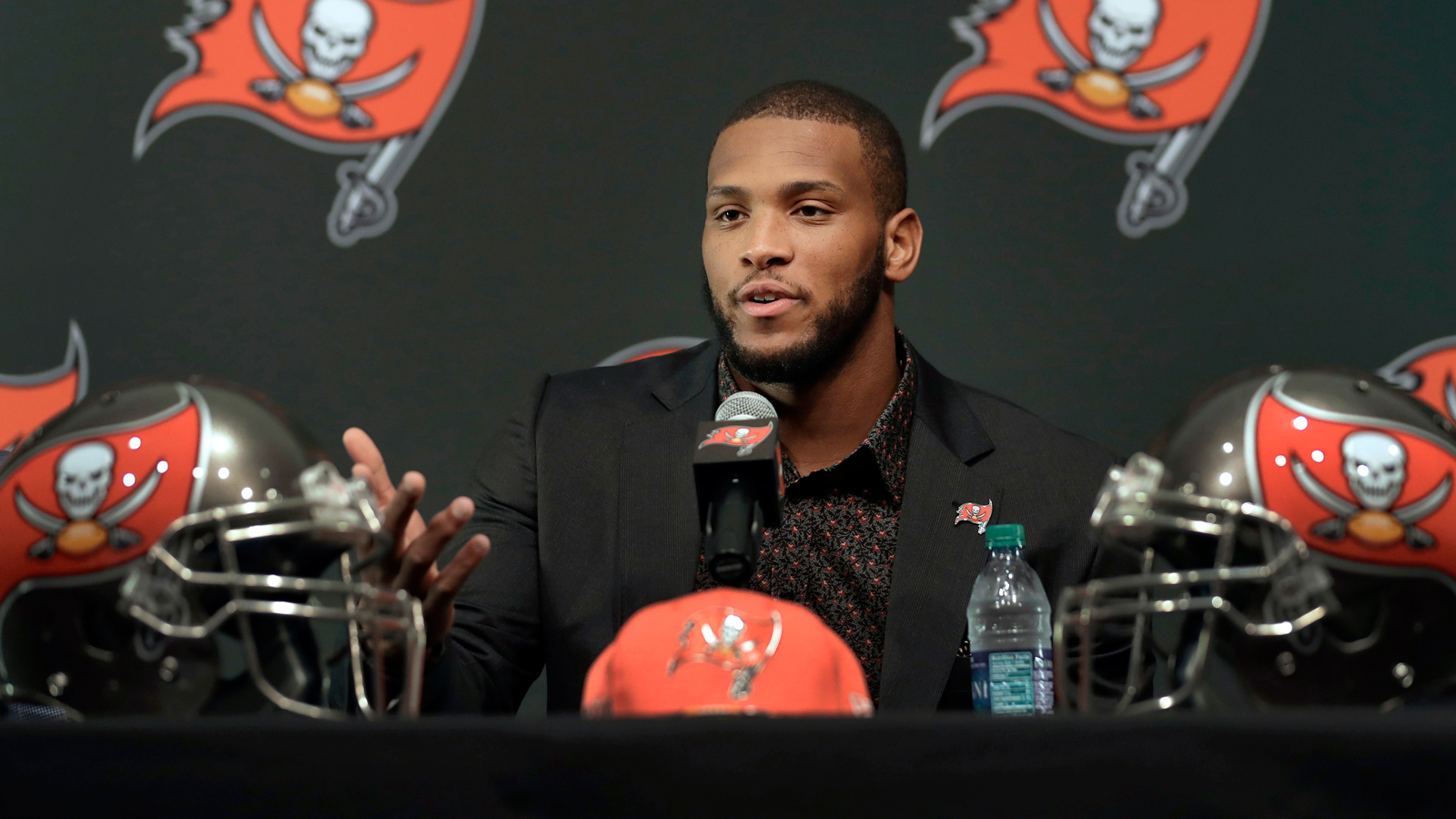 Tampa Bay Buccaneers 2017 first round draft pick O.J. Howard gestures as he speaks during an NFL football news conference Friday, April 28, 2017, in Tampa, Fla. Howard was a tight end at Alabama. (AP Photo/Chris O'Meara)
