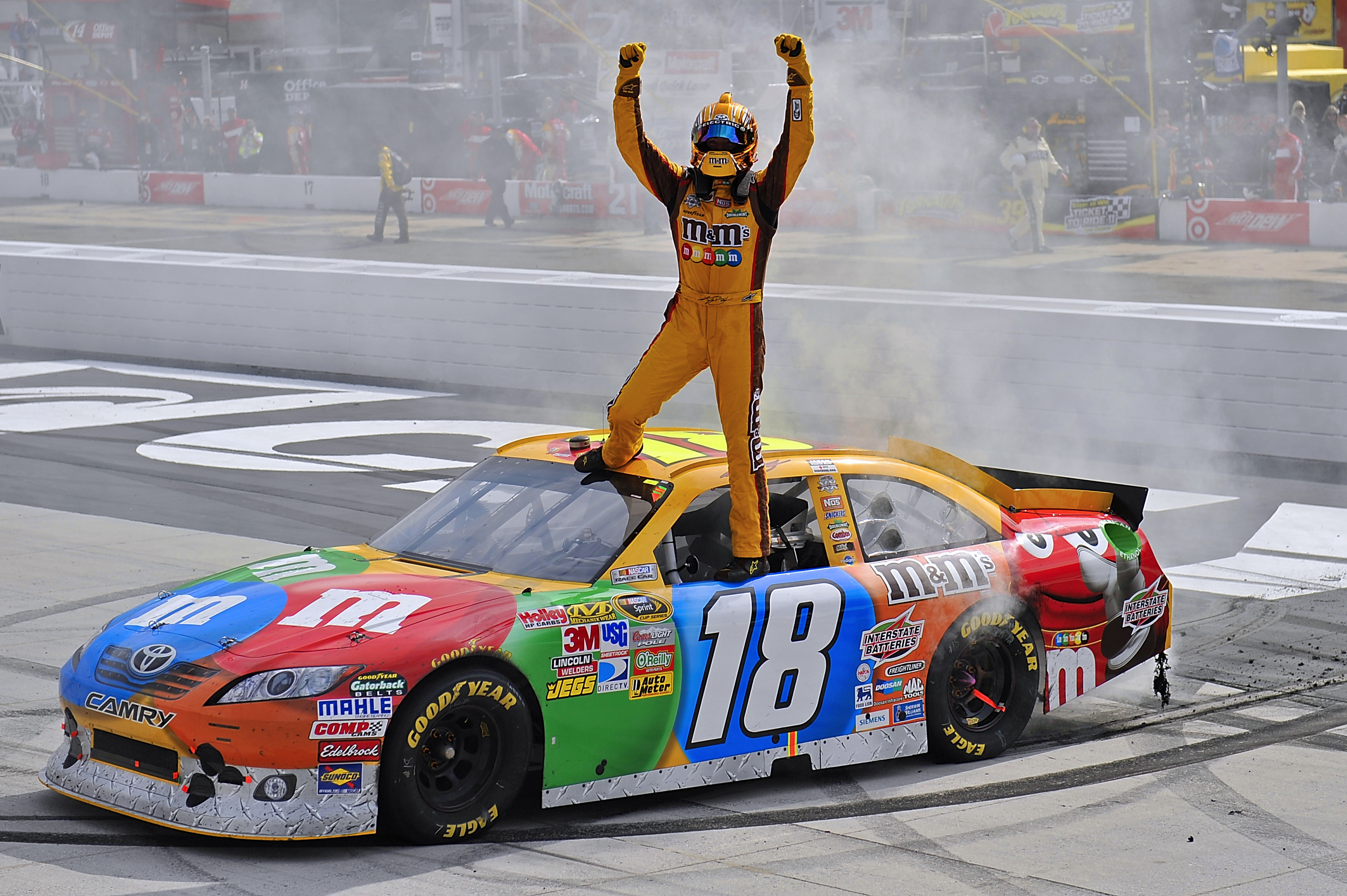 18-20 March, 2011, Bristol, Tennessee,  USA Kyle Busch celebrates his win