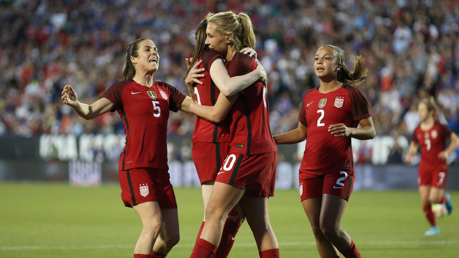 Usa womens national soccer team wallpaper labzada wallpaper 7 takeaways from the uswnt s 4 0 thrashing of russia fox sports publicscrutiny Image collections