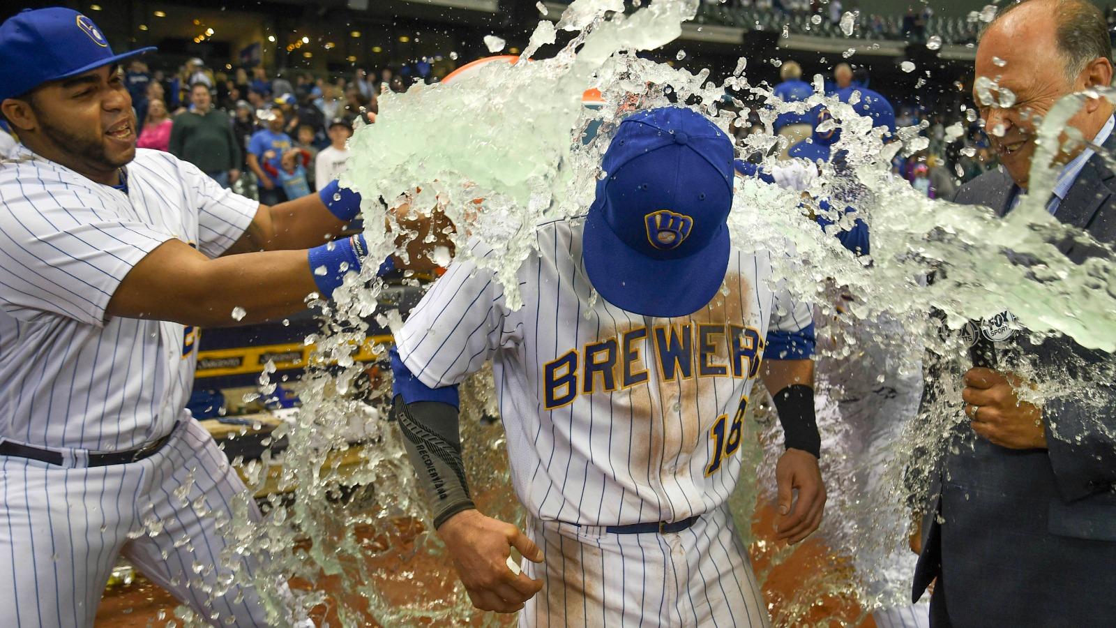 051317-MLB-Brewers-PI