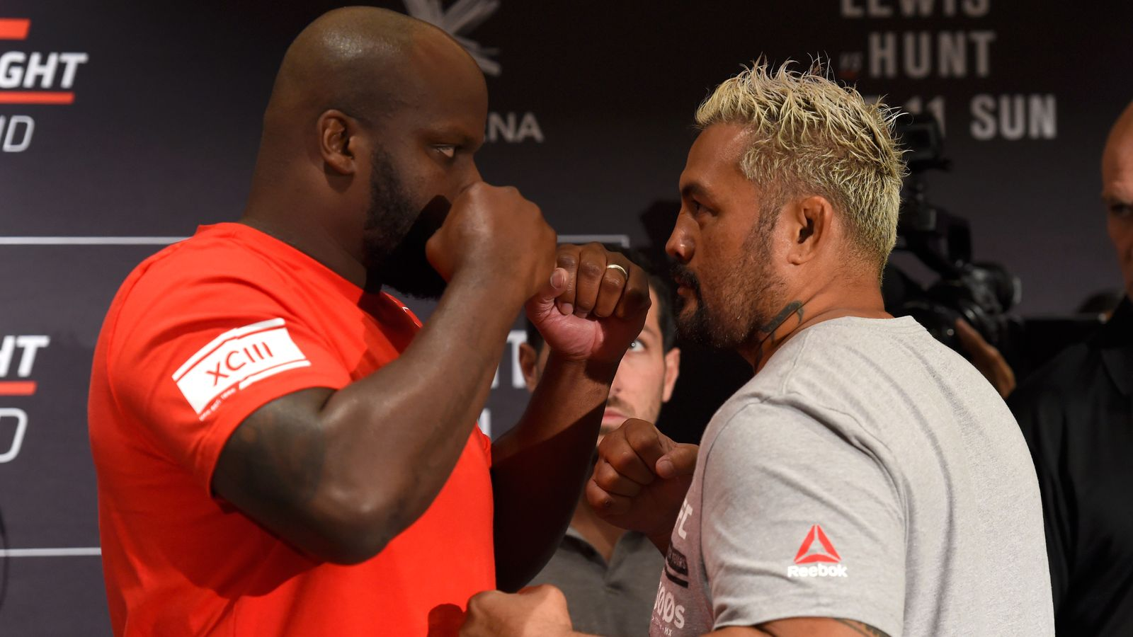 AUCKLAND, NEW ZEALAND - JUNE 08:  (L-R) Opponents Derrick Lewis and Mark Hunt of New Zealand face off during the UFC Fight Night Ultimate Media Day at the Langham Hotel on June 8, 2017 in Auckland, New Zealand. (Photo by Josh Hedges/Zuffa LLC/Zuffa LLC via Getty Images)
