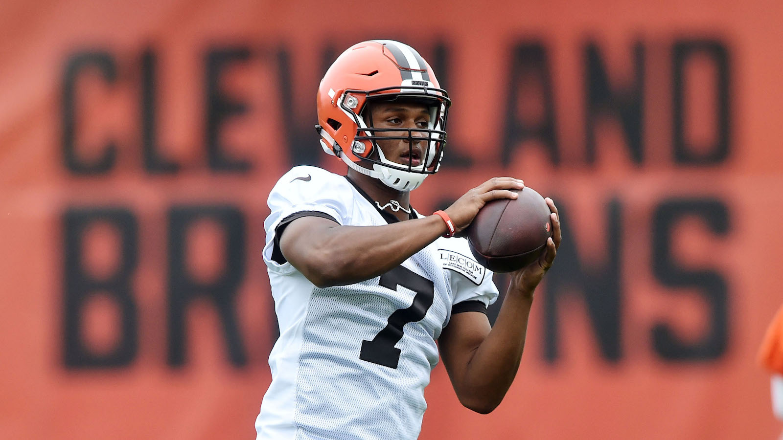 May 24, 2017; Berea, OH, USA; Cleveland Browns quarterback DeShone Kizer (7) practices during organized team activities at the Cleveland Browns training facility. Mandatory Credit: Ken Blaze-USA TODAY Sports