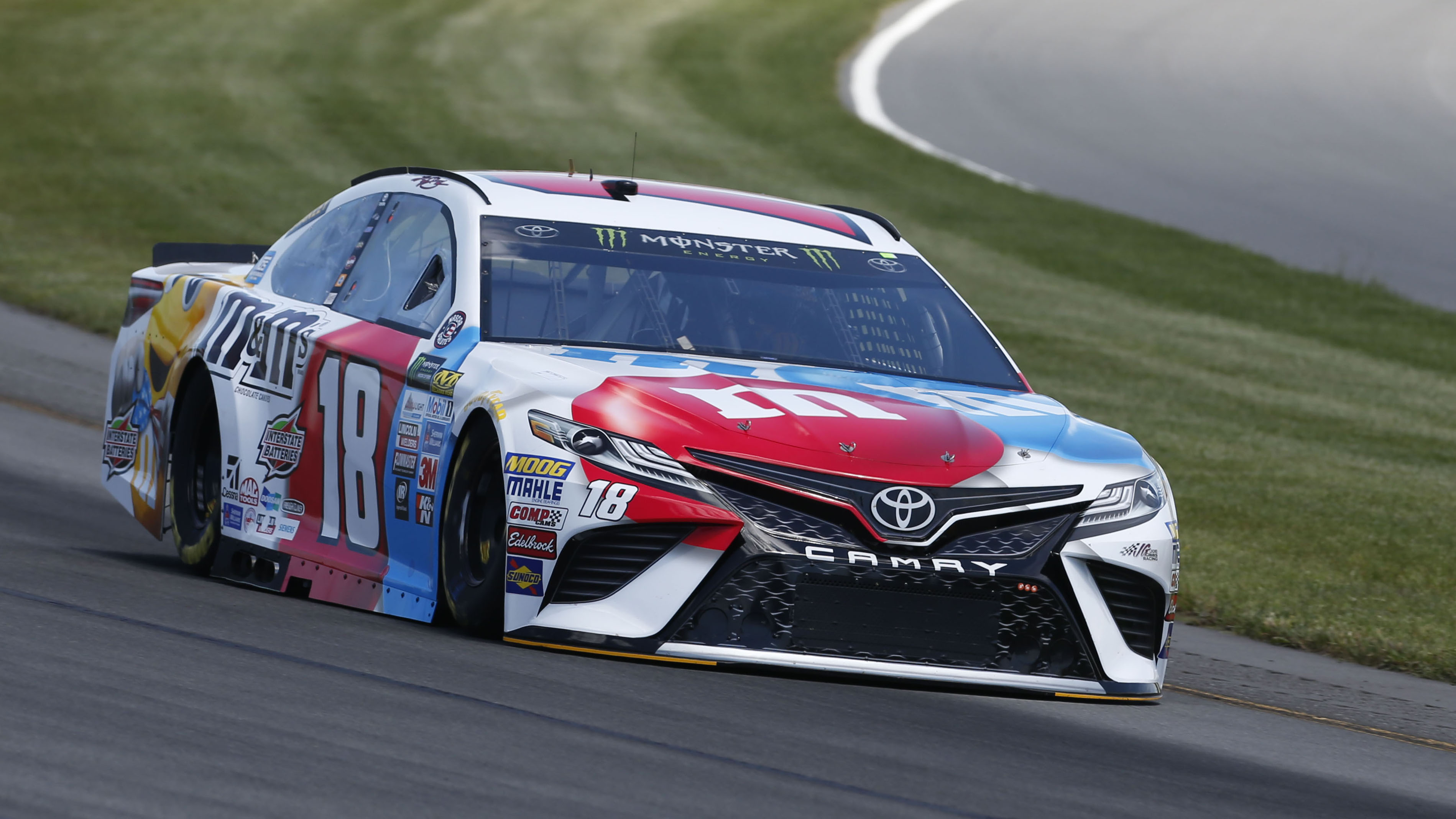 Monster Energy NASCAR Cup Series AXALTA presents the Pocono 400 Pocono Raceway, Long Pond, PA USA Friday 9 June 2017 Kyle Busch, Joe Gibbs Racing, M&M's Red, White & Blue Toyota Camry World Copyright: Matthew T. Thacker LAT Images ref: Digital Image 17POC1mt1152