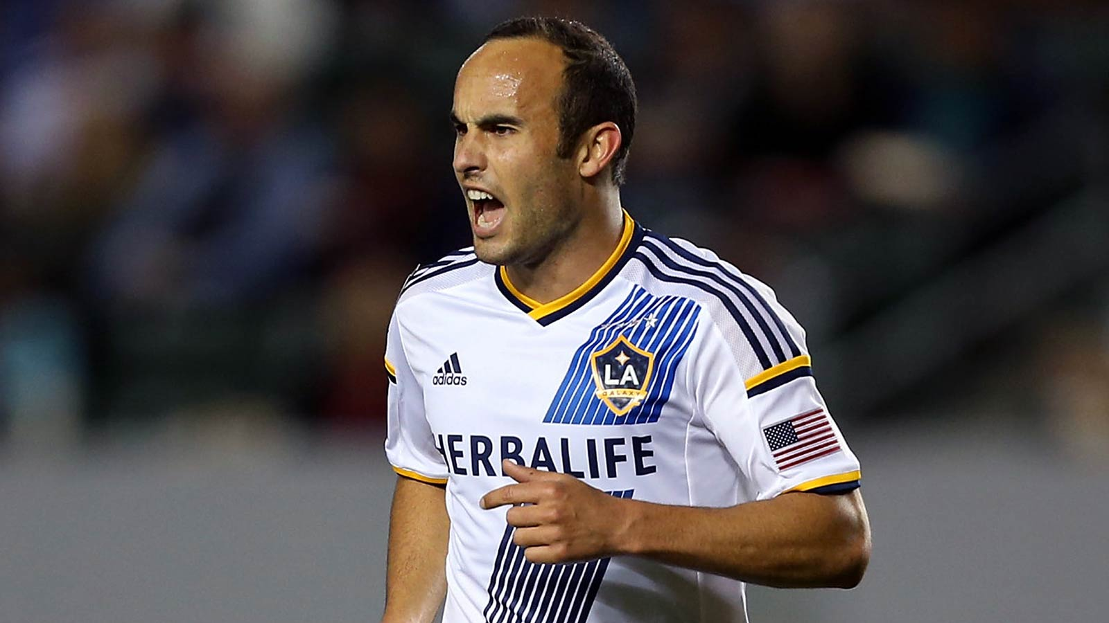 Landon Donovan officially announces his retirement from soccer