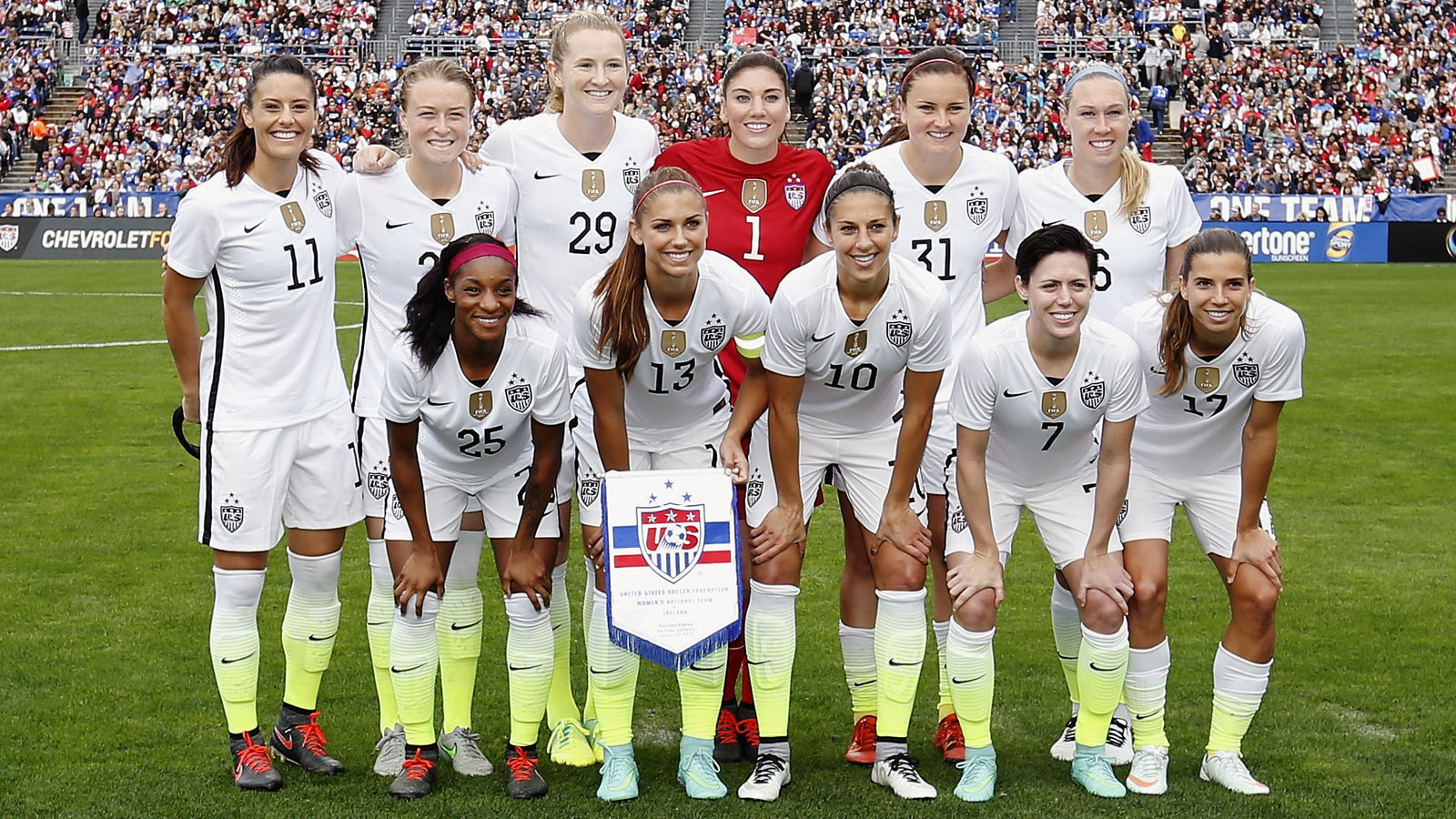 women's national soccer team - HD 1600×900