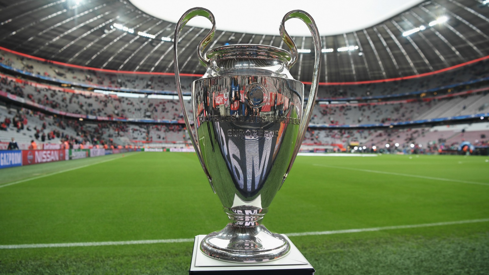 050816-soccer-champions-league-trophy