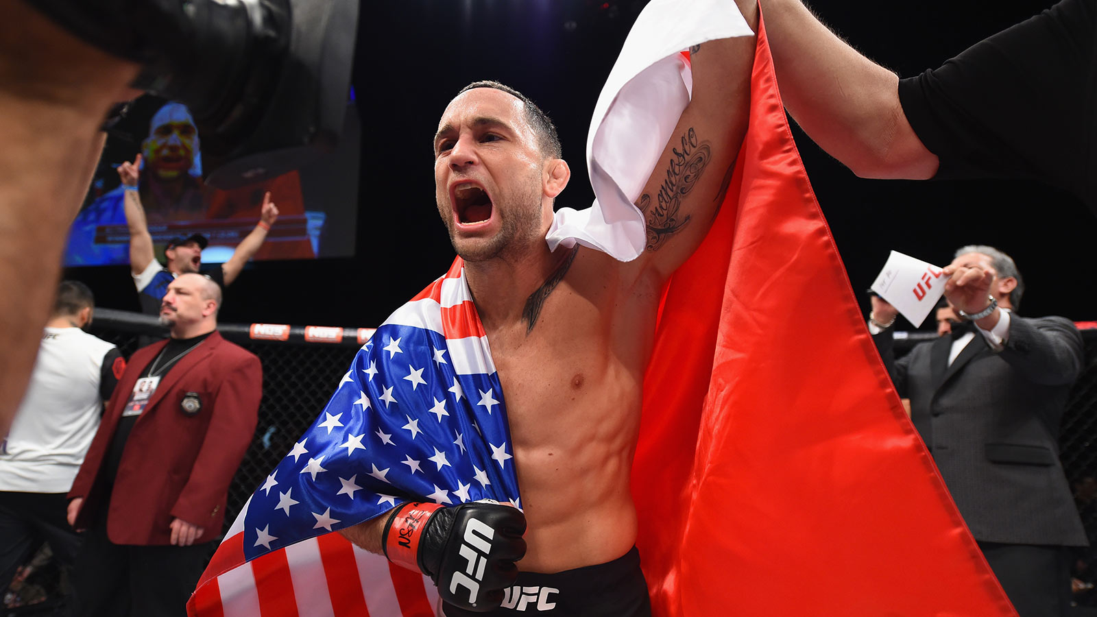121115-UFC-Frankie-Edgar-reacts-to-his-victory-over-Chad-Mendes-PI