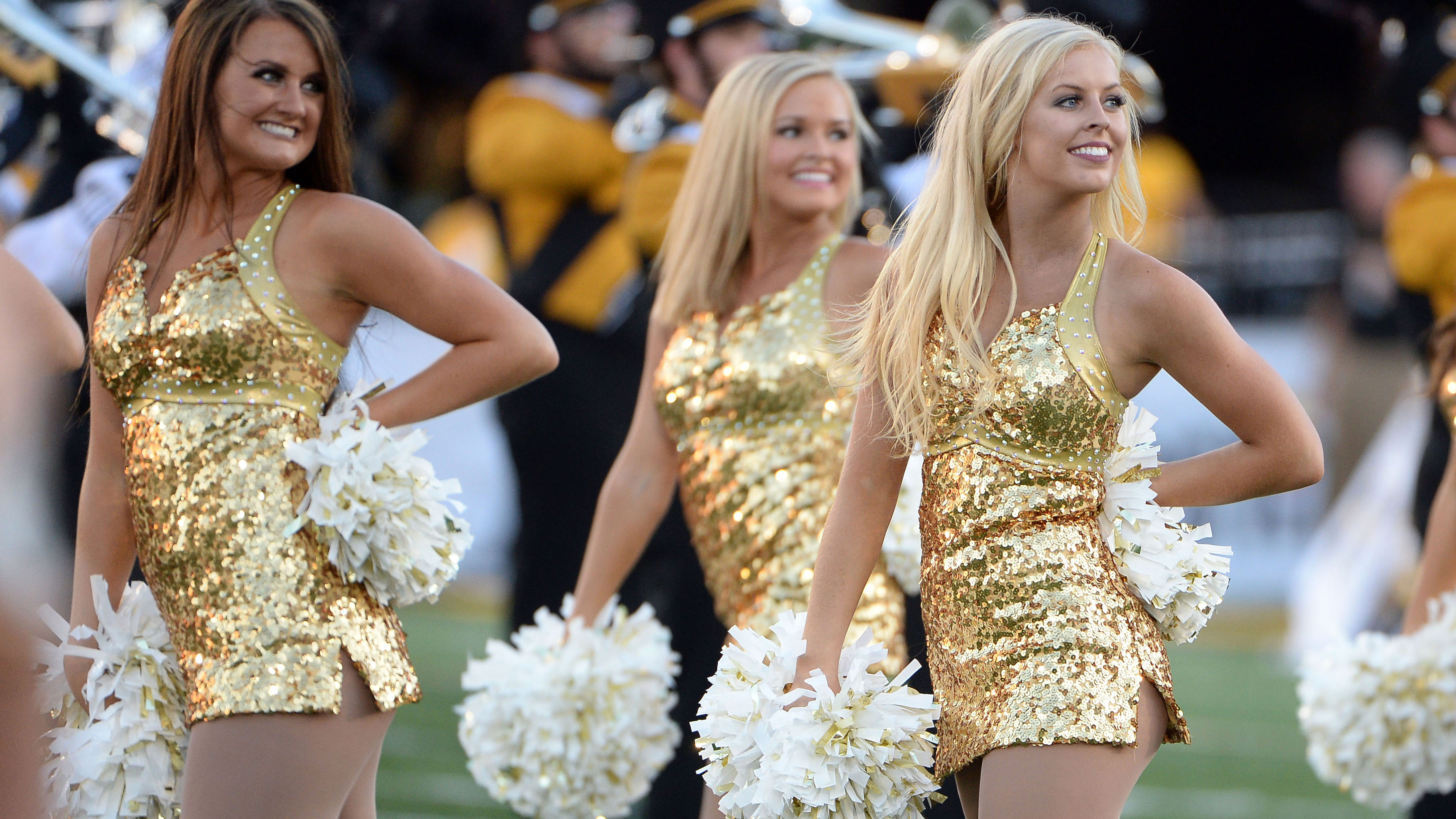PI-CFB-cheer16-Missouri-2-091716