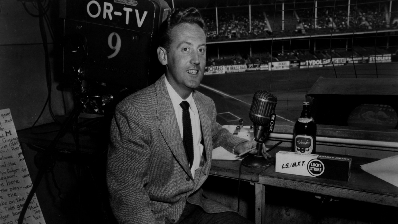 092016-MLB-Vin-Scully-historical-perspective-gallery-broadcasting-PI
