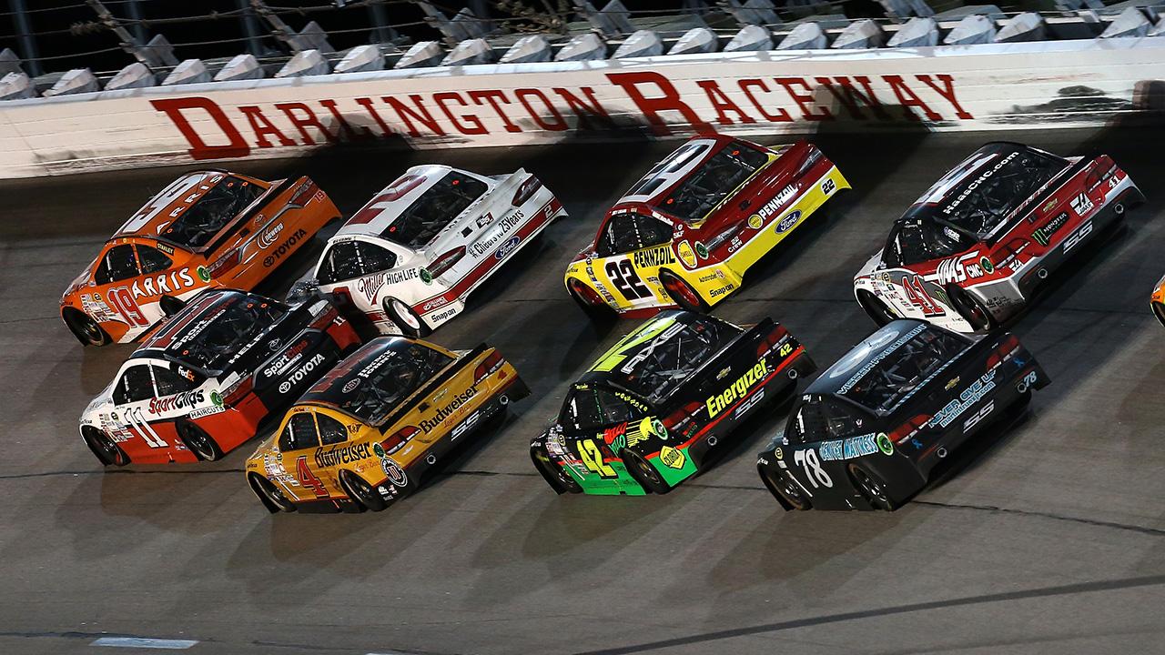 081116-NASCAR-Darlington-Raceway
