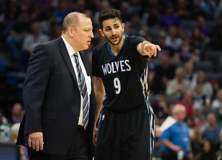 9642123-tom-thibodeau-ricky-rubio-nba-minnesota-timberwolves-sacramento-kings