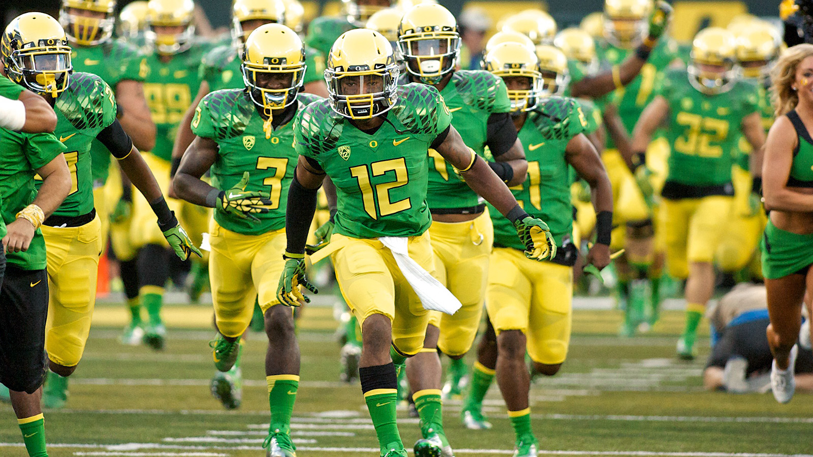 102314-CBK-Best-Oregon-jerseys-TV-G13