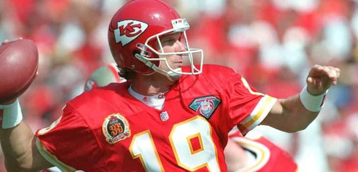 101713-9-NFL-Chiefs-Joe-Montana-OB-PI_20131017183202791_730_350