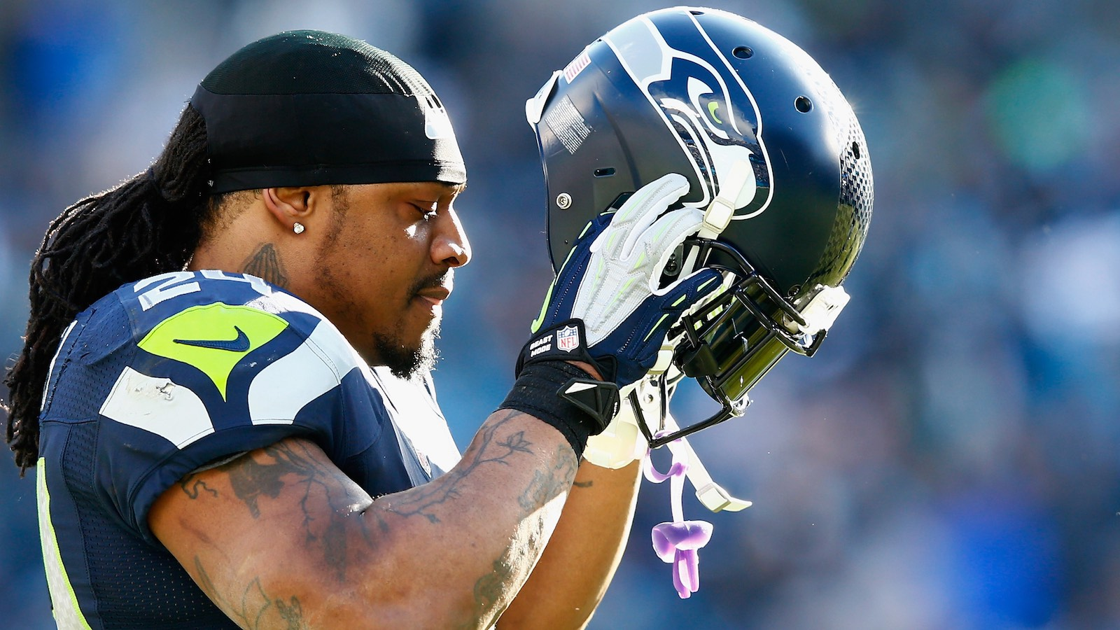 082416-NFL-Seattle-Seahawks-Marshawn-Lynch